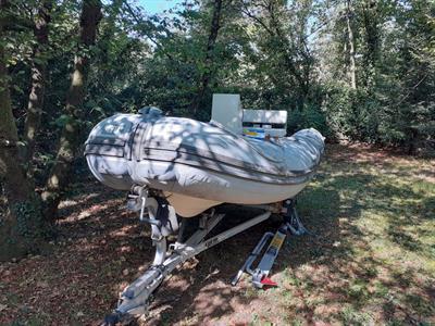 Gommone BWA 4.7 m e carrello
